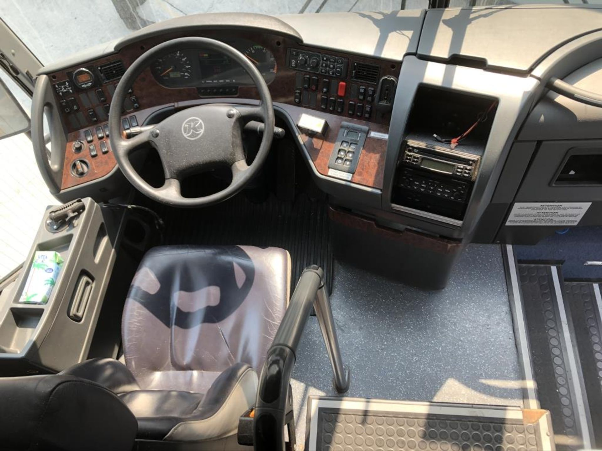 Lot 113 - Motor Coach