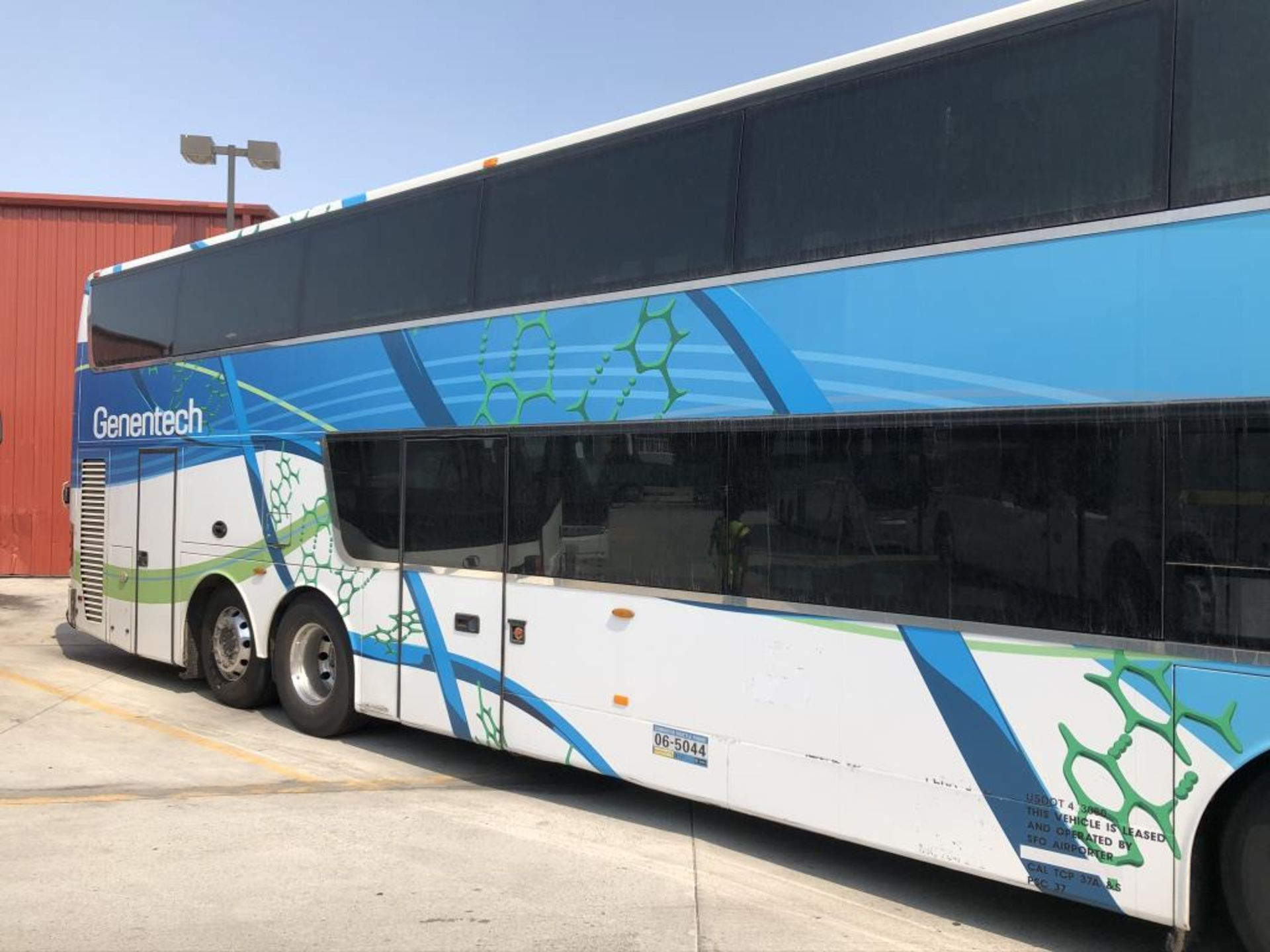 Astromega Bus - Image 18 of 22