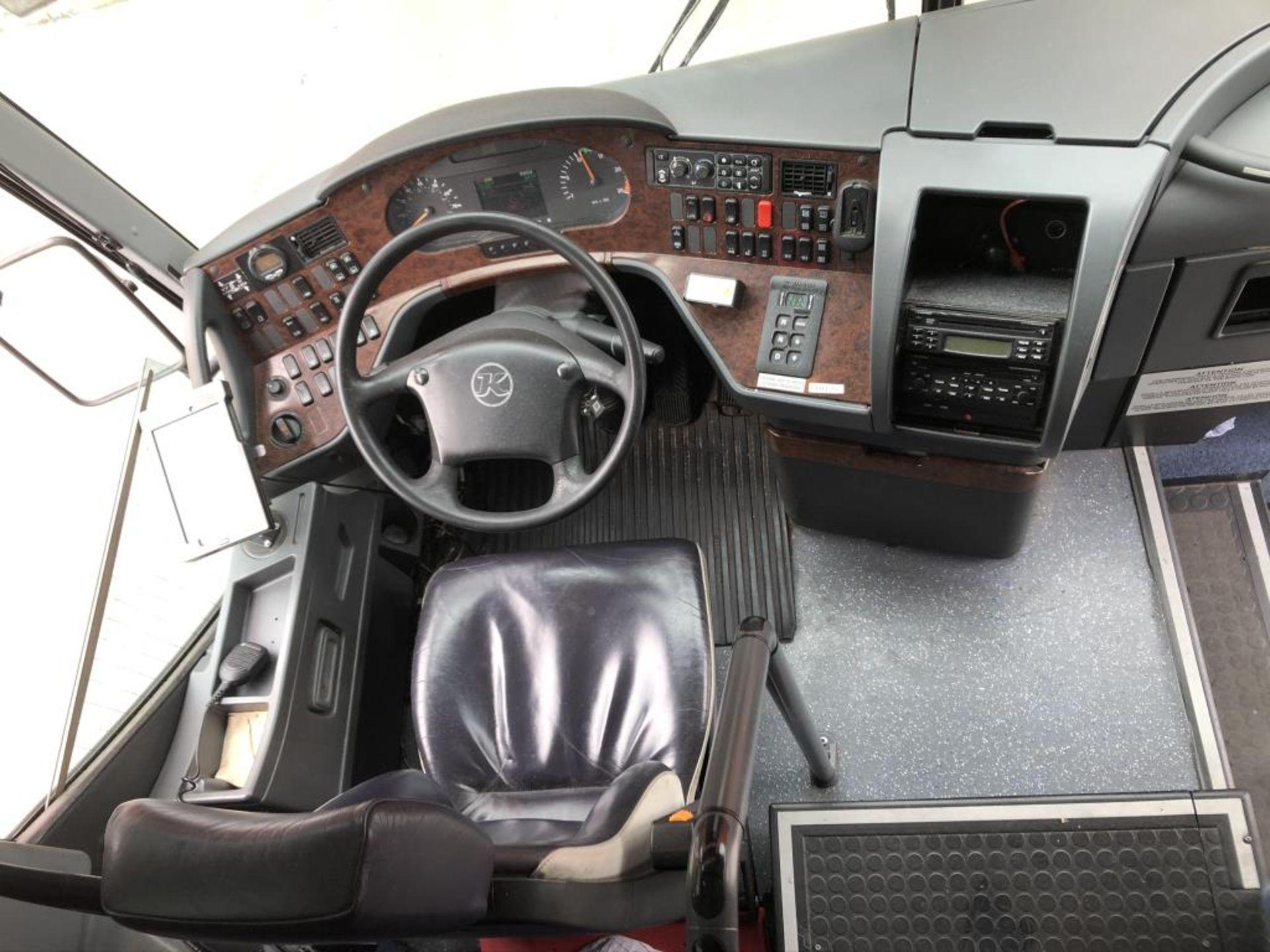 Motor Coach - Image 9 of 17