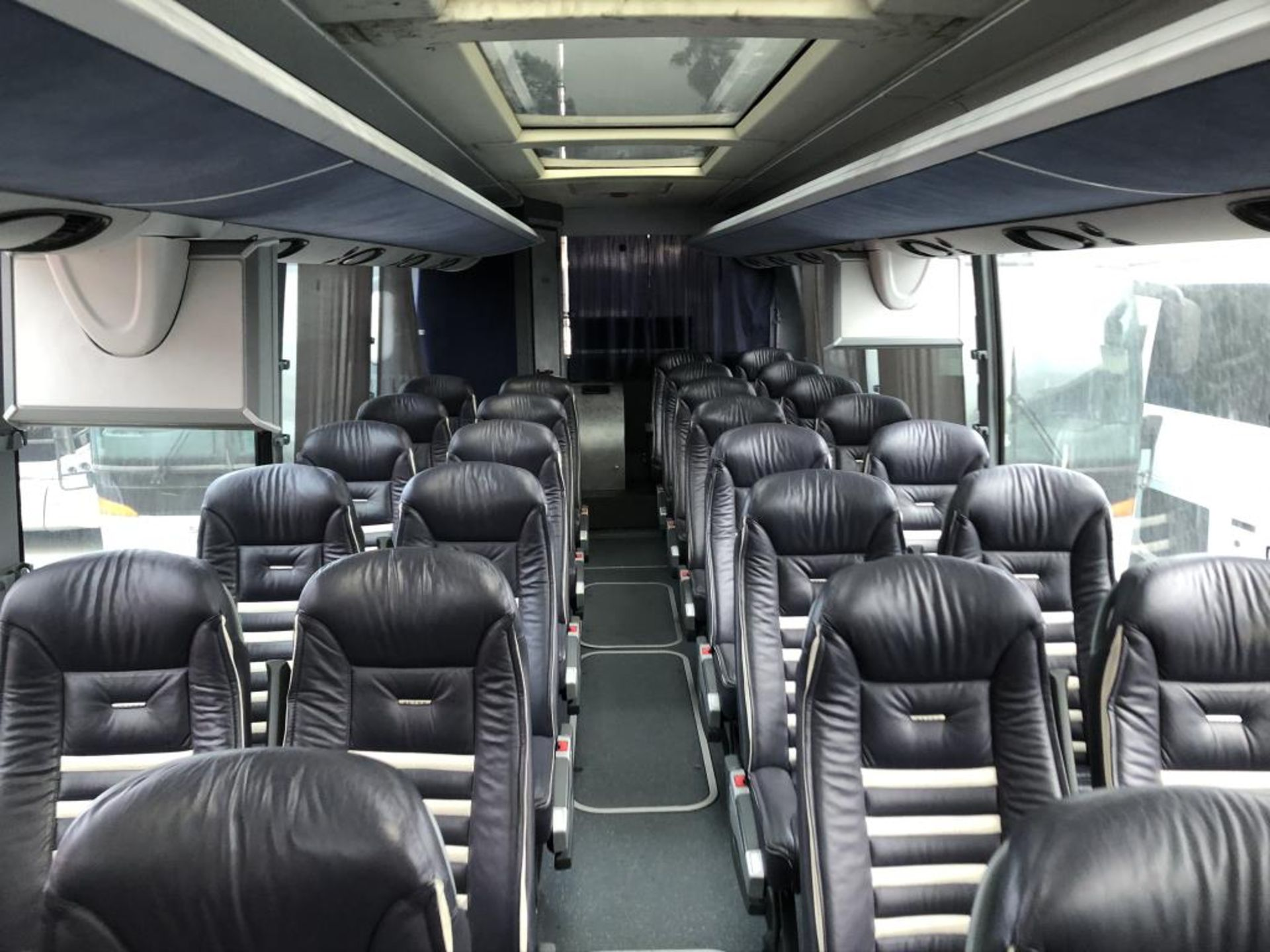 Motor Coach - Image 11 of 18