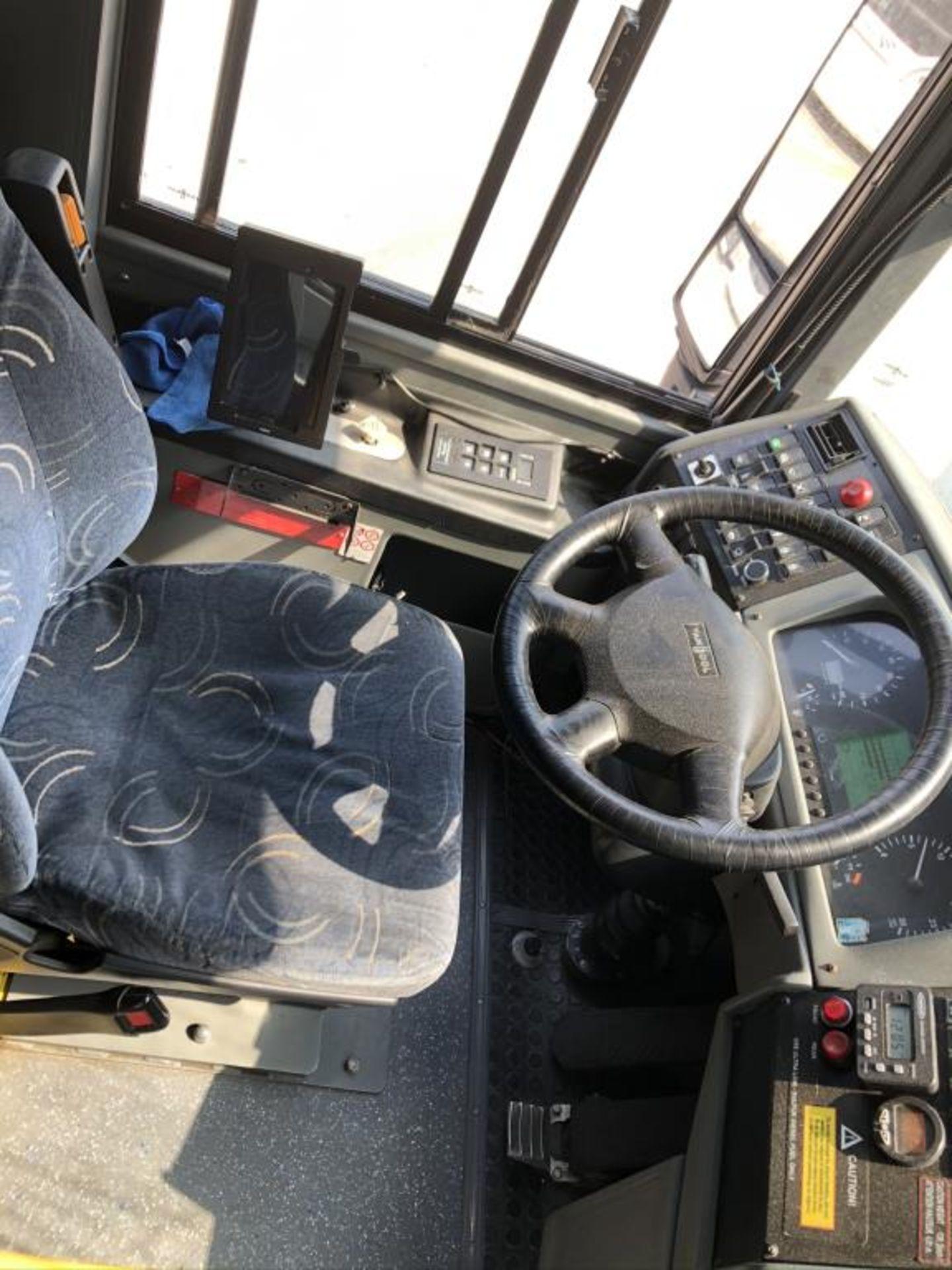Astromega Bus - Image 15 of 22