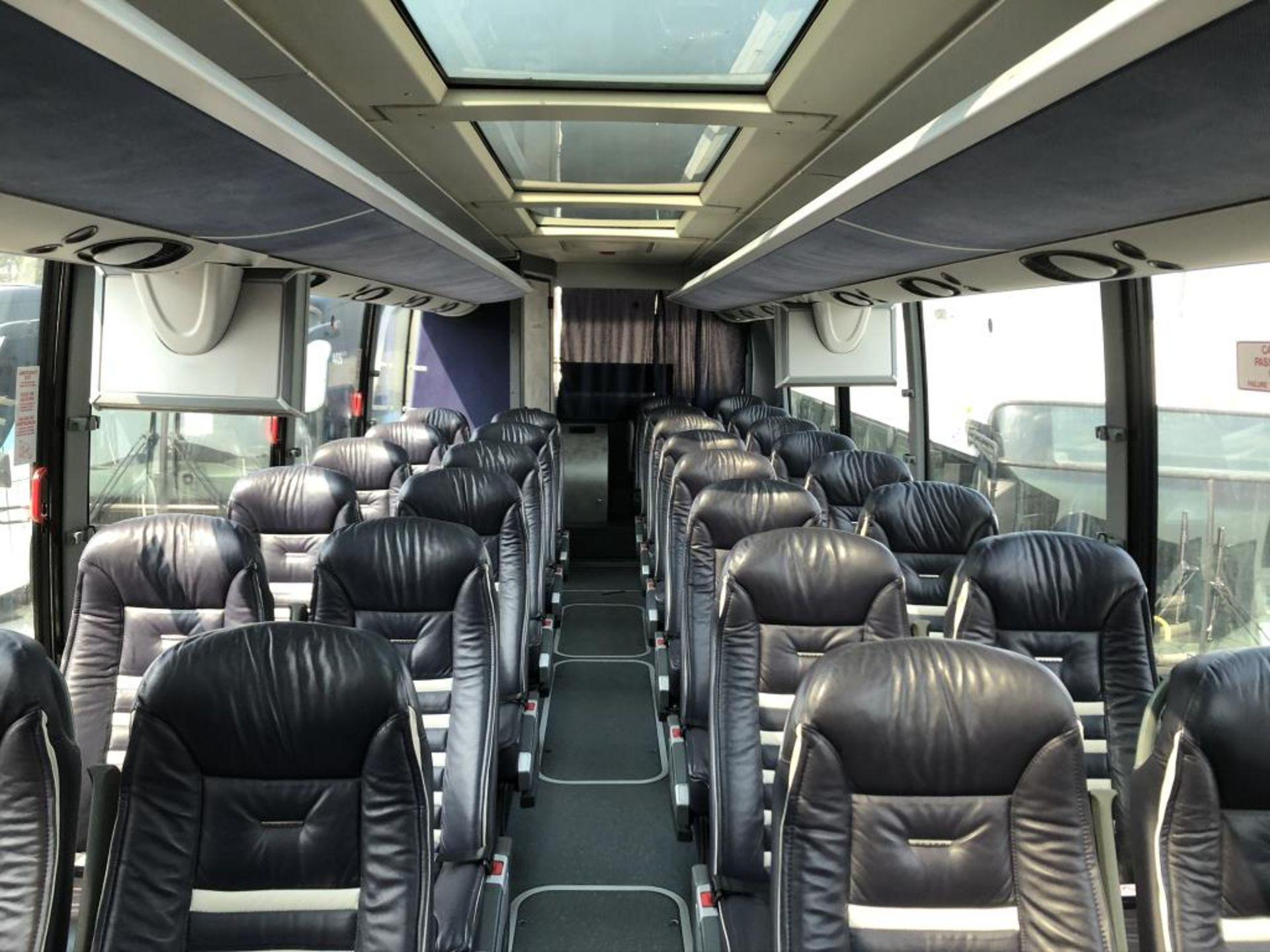 Lot 111 - Motor Coach