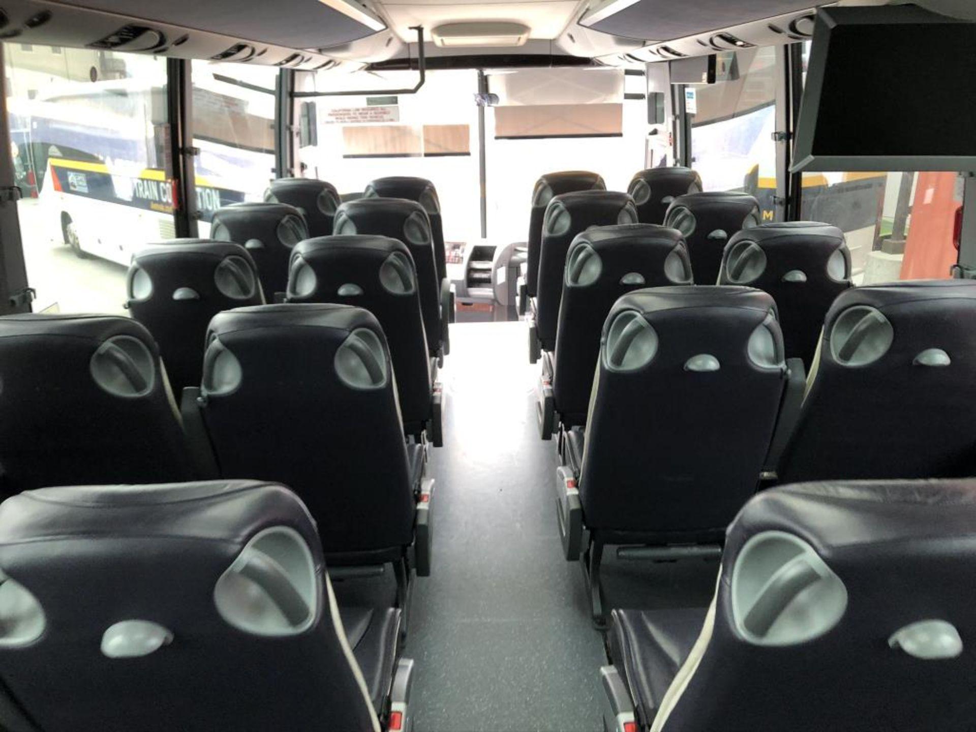 Lot 107 - Motor Coach