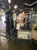 Crown Forklift (NEEDS REPAIR)