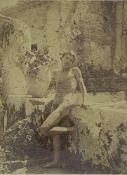 """GLOEDEN WILHELM VON. 1856-1931 Photo """"The naked boy"""" - Gelatin silver print. 22 [...]"""