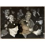 PICASSO. 1881-1973. Photograph - Photograph with his wife, Françoise Gilot, and two [...]