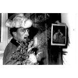 SALVADOR DALI. 1904-1989. A set of 3 vintage photographs - 1) Salvador Dalí with a [...]