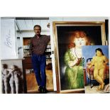 FERNANDO BOTERO. BORN 1932. Autographed photograph. Portrait of the artist with his [...]