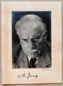 Margarita (Margarethe) Fellerer JUNG (CARL GUSTAV). 1875-1961. - Signed portrait [...]
