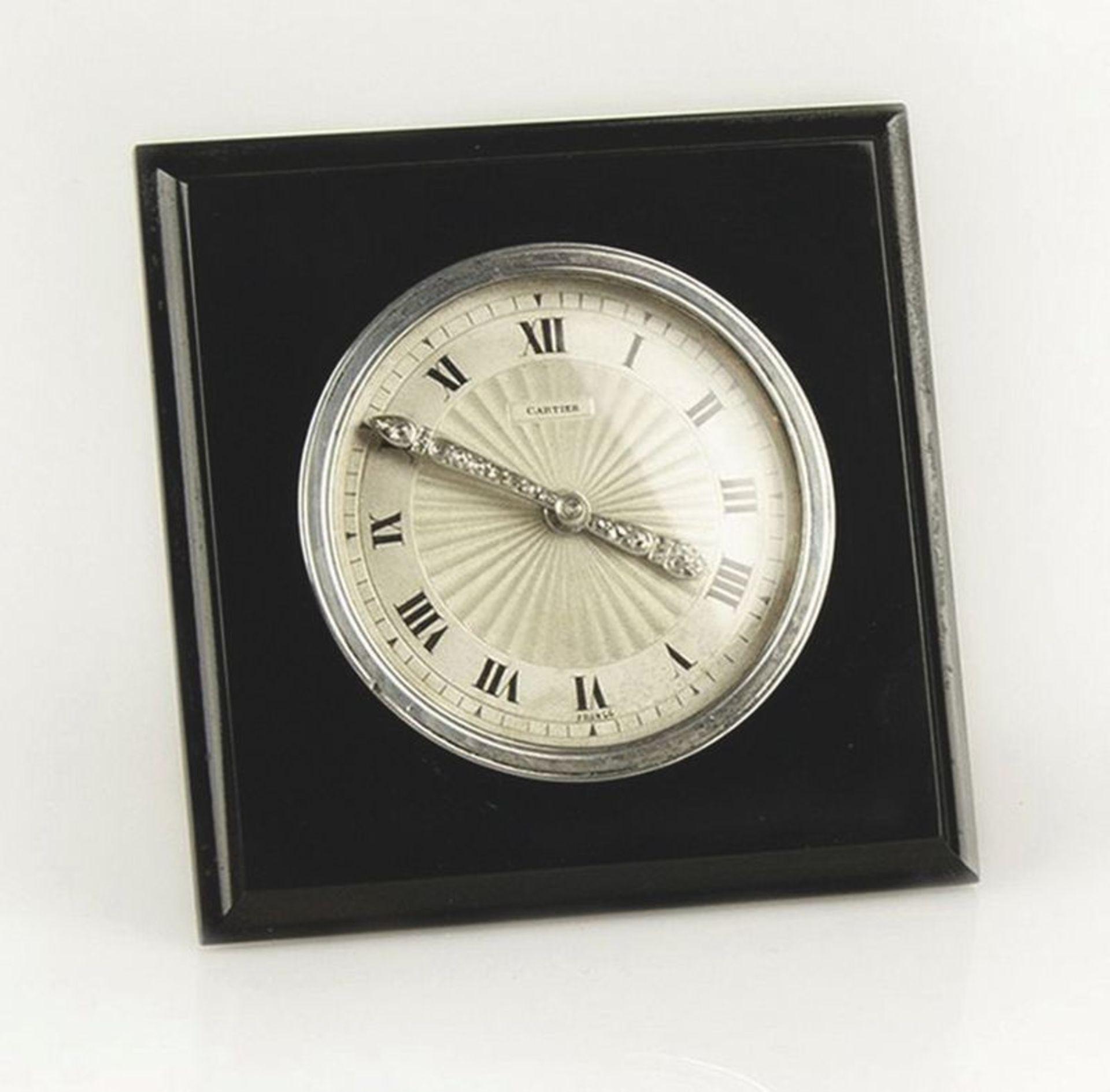 Cartier Table clock, 1939 - Moulded onyx, silver, rose-cut diamond hands set in [...] - Bild 2 aus 2