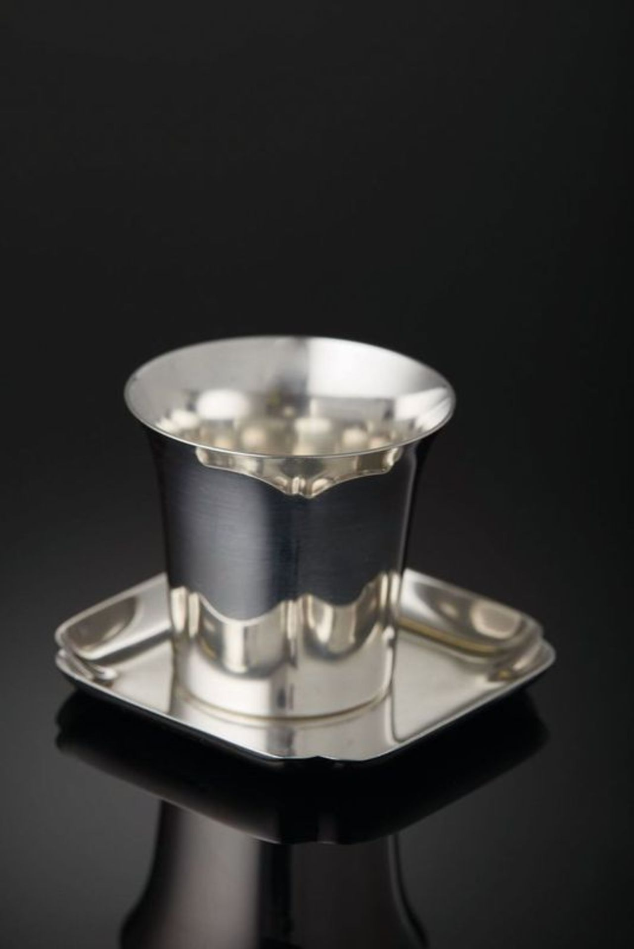 Cartier Silver Cup and Soucer - silver Signed Cartier Sterling (NY), saucer Signed [...]