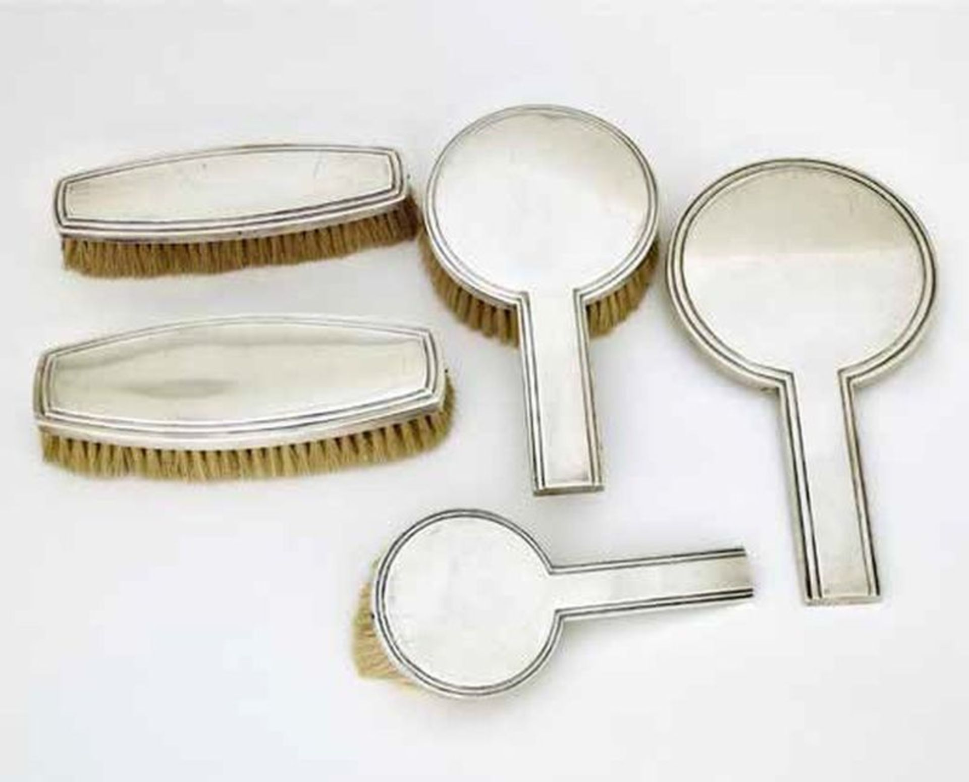 French Silver Five Piece Dressing Table Set, Jean E.Puiforcat, Paris, circa 1930 - [...]
