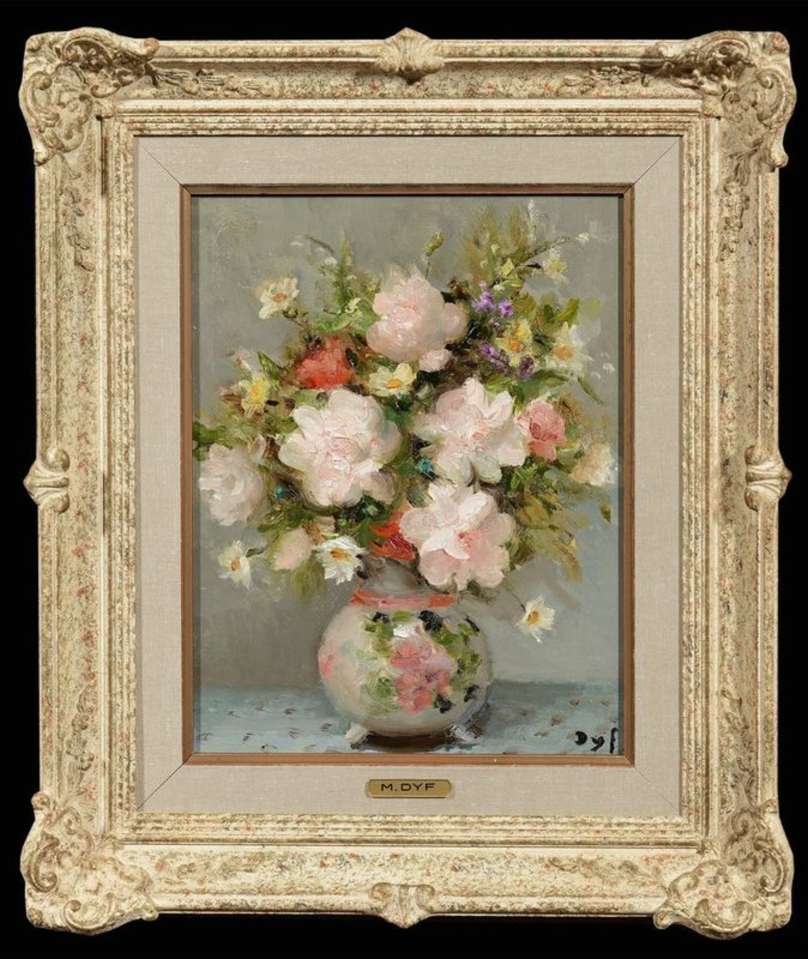 Los 553 - MARCEL DYF (French, 1899-1985) Still life with flowers - Signed lower right Oil [...]