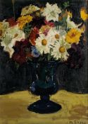 MOSES SOYER (1899-1974) - Floral still life with dasies in a vase Signed 'M [...]