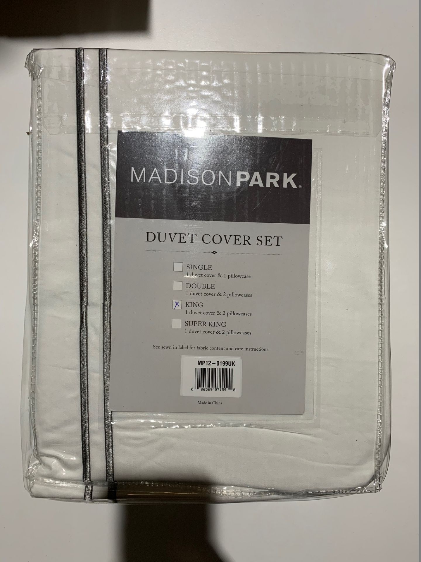 Lot 163 - 1 x Madison Park Luxury Collection King Duvet Set White - Product Code MP12-0199UK (Brand New -