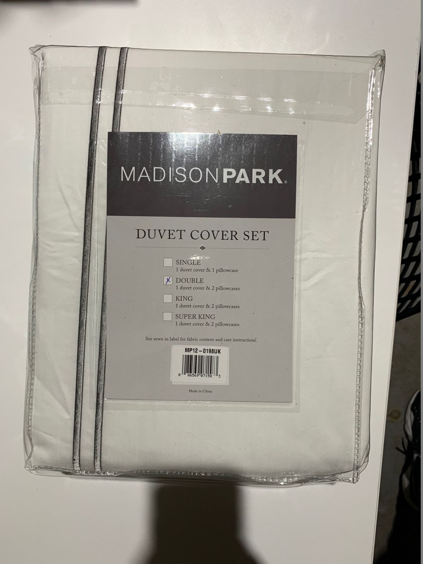 Lot 155 - 1 x Madison Park Luxury Collection Double Duvet Set White - Product Code MP12-0198UK (Brand New -
