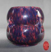 """1 dekorative Vase Keramik, rosa Fond mit blauem Überzug gemarkt """"V&B"""", nummeriert 139, H ca. 15cm, D"""