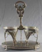 1 sehr schön gestaltete Menage Silber, mit 2 beschliffenen Glasschalen, 19.Jhd., H ca. 27cm, L ca.