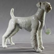 "1 Porzellanfigur, weiß ""Hund, Hollohaza Ungarn"", H ca. 17,5cm, L ca. 21,5cm"