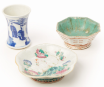 A GROUP OF CHINESE PORCELAIN WARES