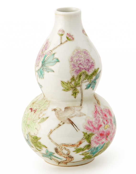 Lot 6 - A FAMILLE ROSE DOUBLE GOURD VASE