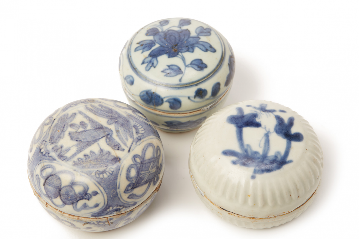 Lot 50 - SIX BLUE AND WHITE PORCELAIN COSMETIC BOXES (1)