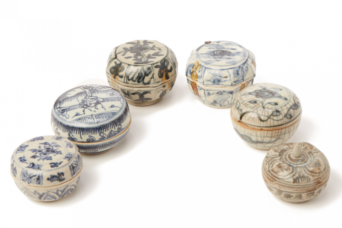 Lot 49 - SIX BLUE AND WHITE PORCELAIN COSMETIC BOXES