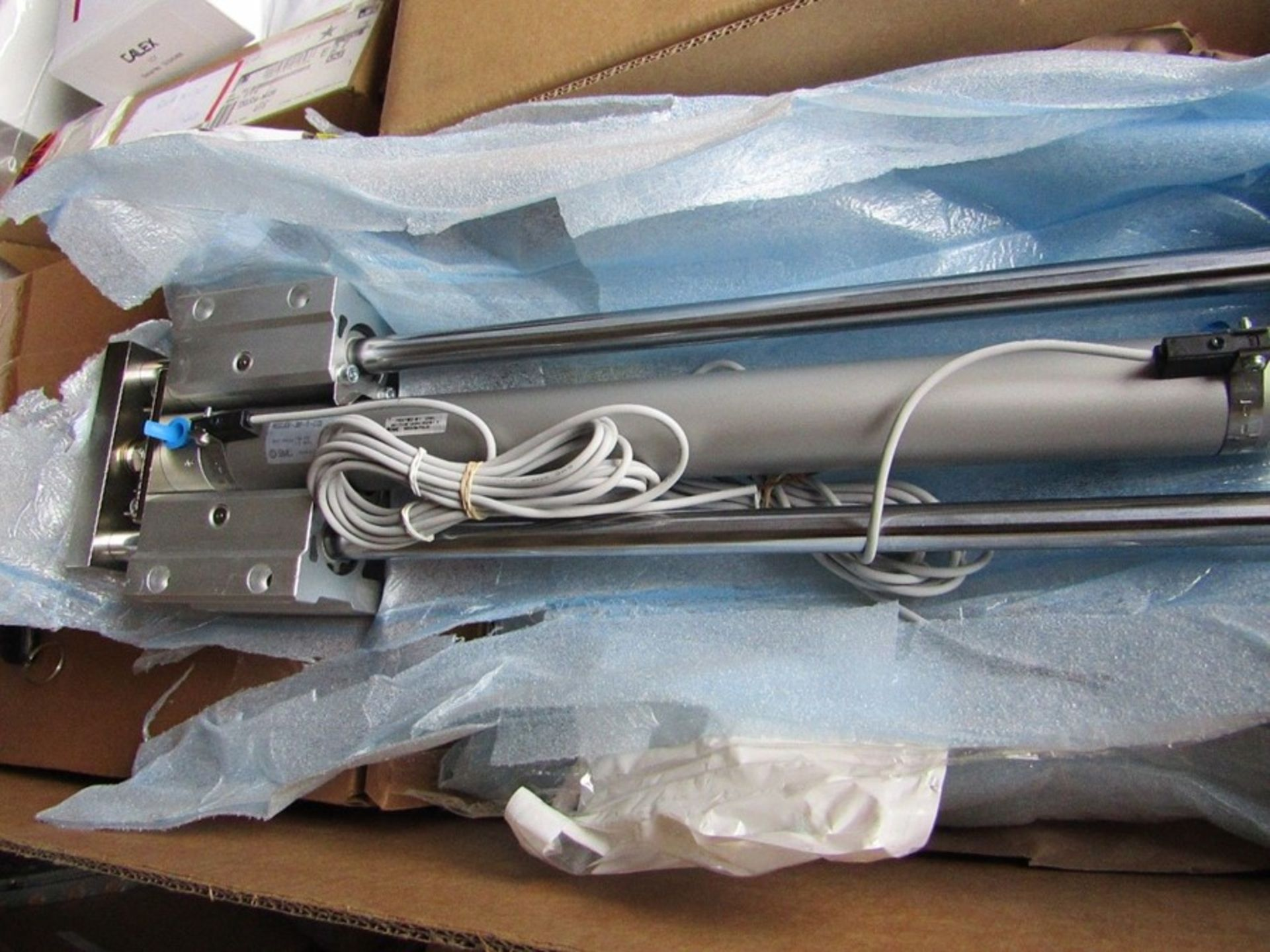 SMC Pneumatic Guided Cylinder MGCLB32-350-R-C73L - 350mm stroke H9P3 8497566