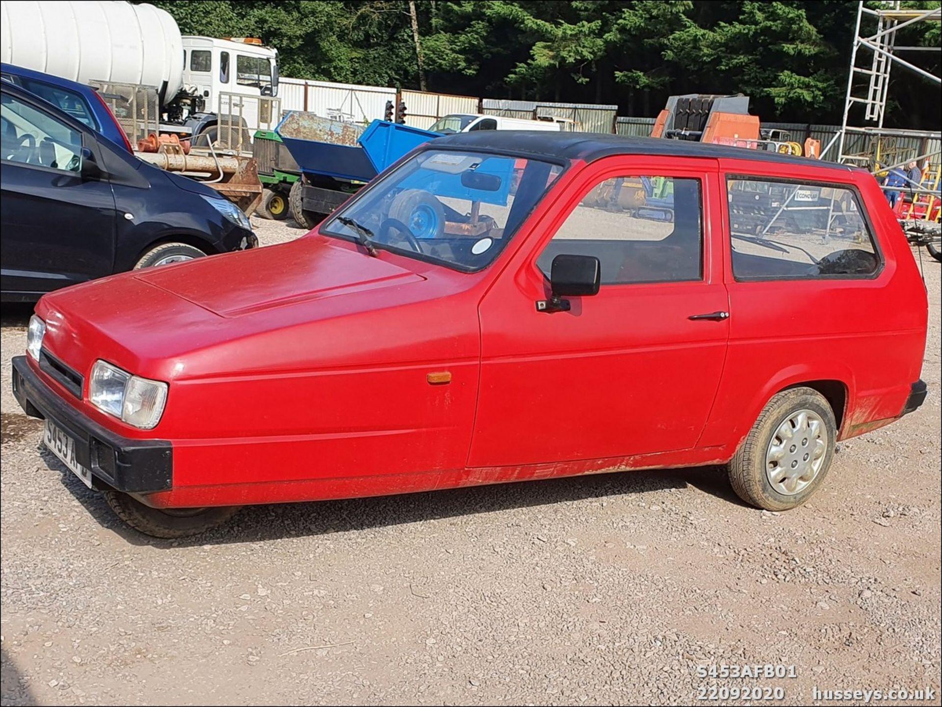 Lot 3017 - 1998 RELIANT RIALTO VAN - 848cc 3dr Van (Red, 57k)