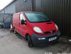 03/52 VAUXHALL VIVARO 2700 DI SWB - 1870cc 5dr Van (Red, 84k)