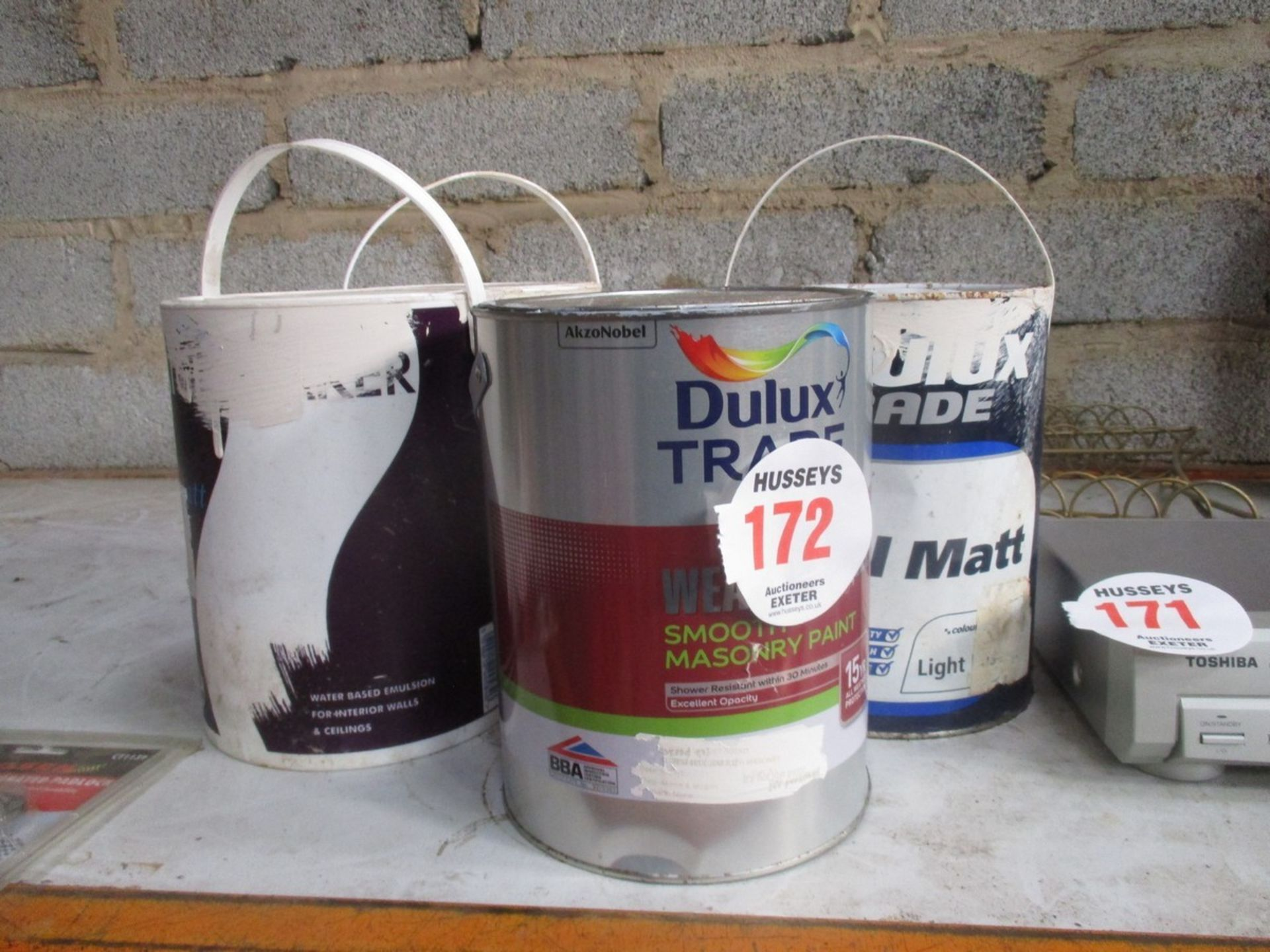 Lot 172 - 5 TINS OF PAINT