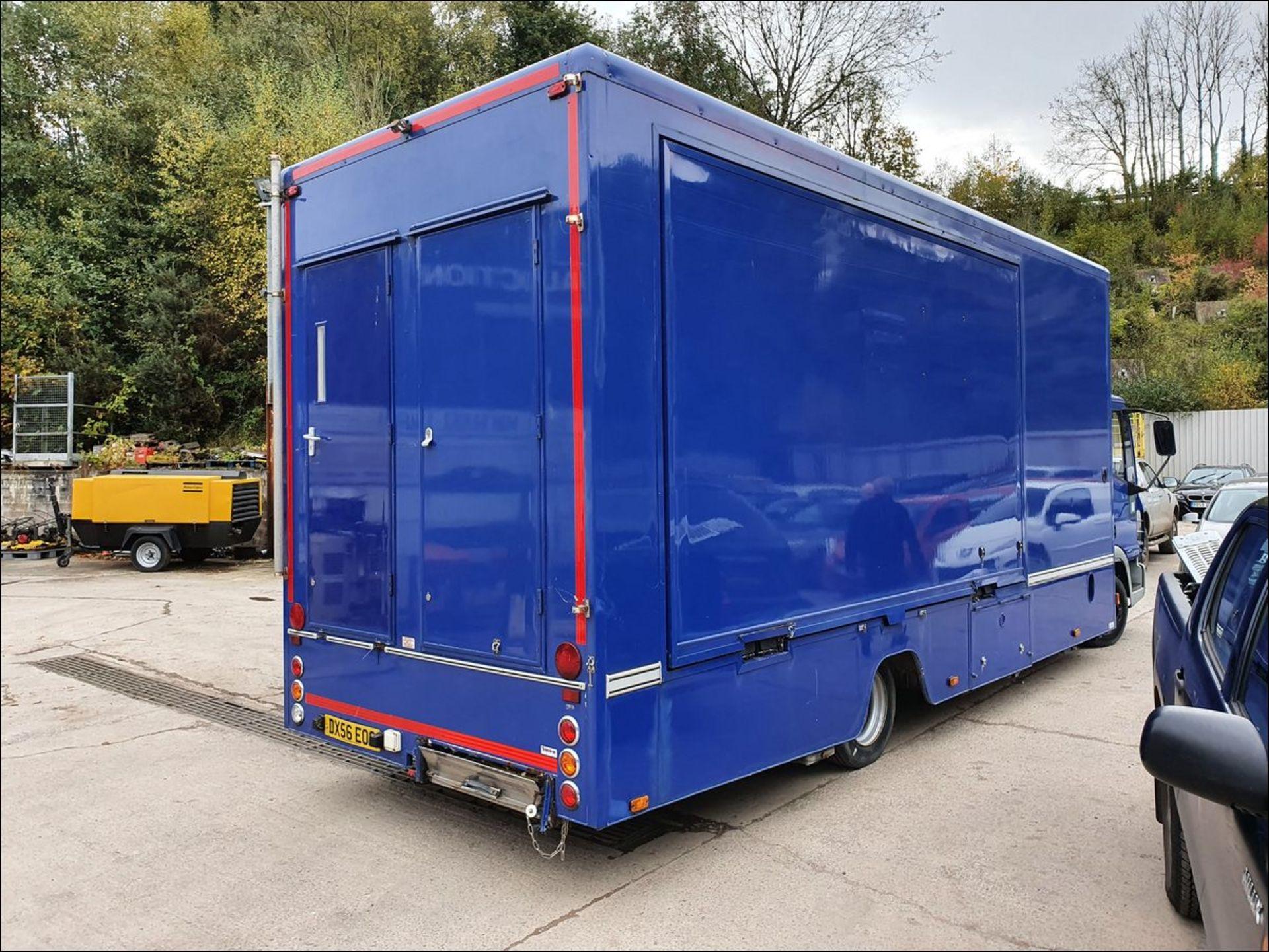 06/56 IVECO EUROCARGO EXHIBITION VEHICLE - 3920cc (Blue, 33k) - Image 5 of 13