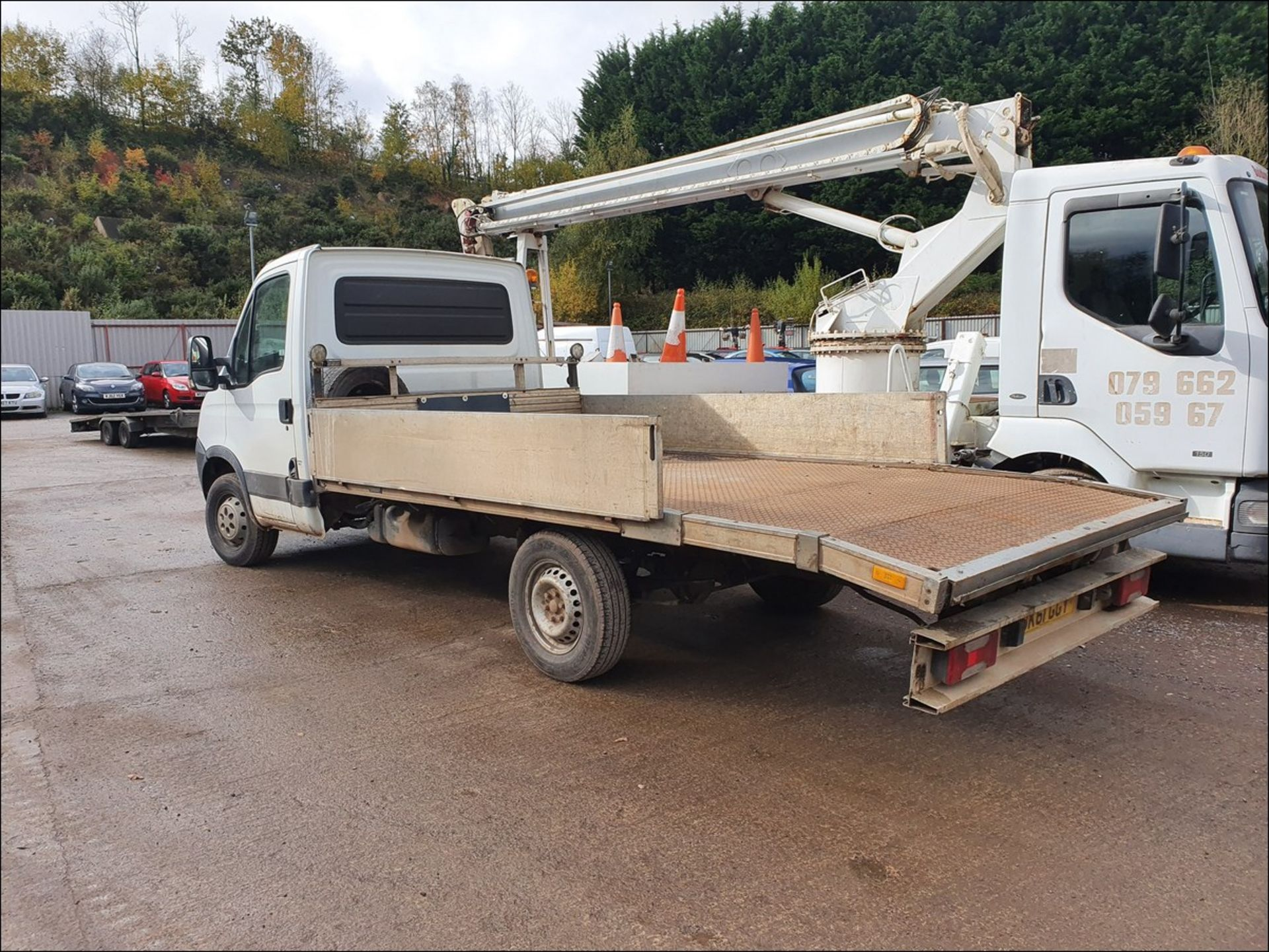 11/61 IVECO DAILY 35S11 MWB - 2287cc 2dr Flat Bed (White/blue, 194k) - Image 5 of 9