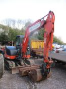 HITACHI ZAXIS 60 EXCAVATOR C/W 2 BUCKETS 2010 5461HRS - WITH KEYS