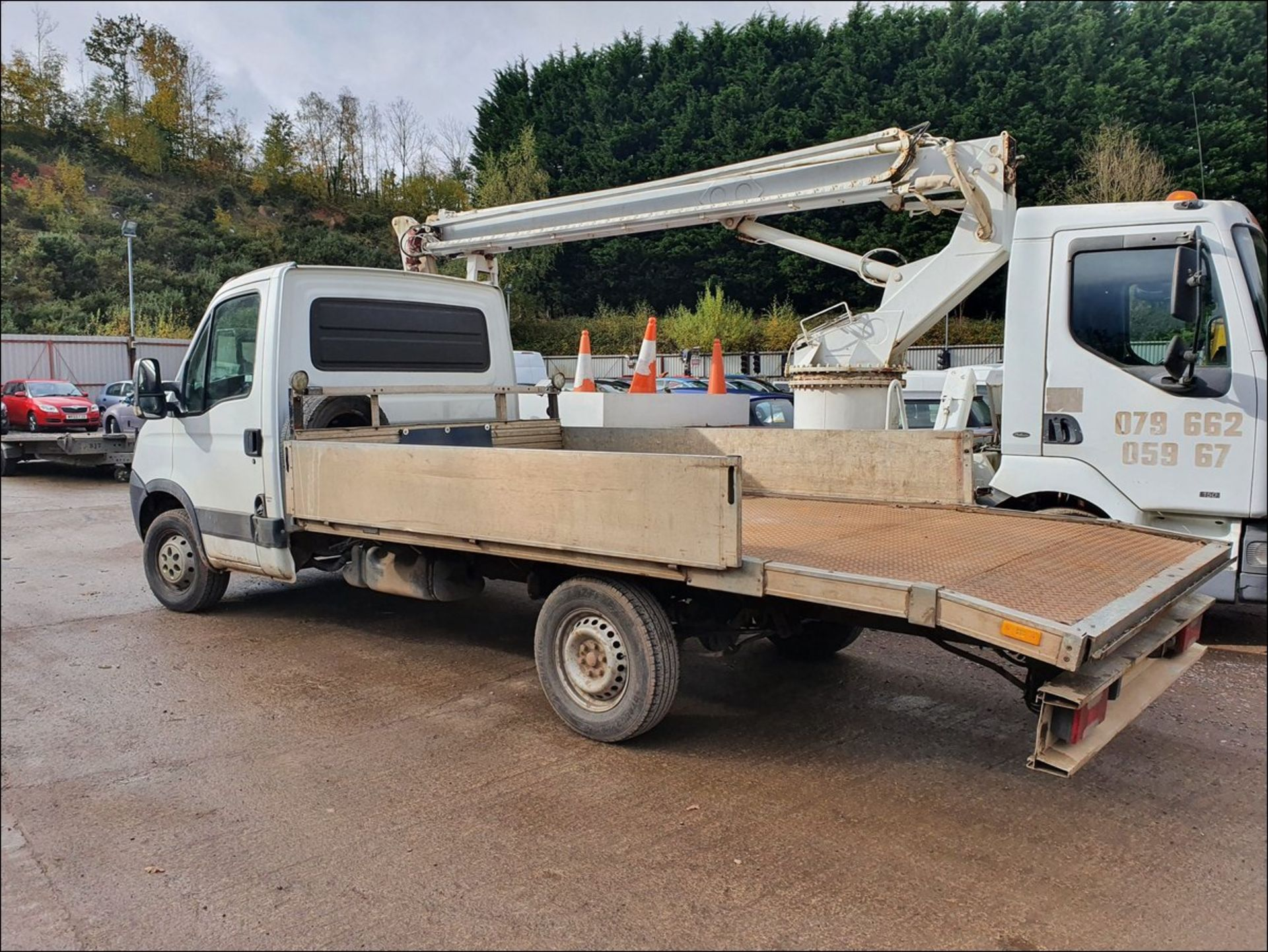 11/61 IVECO DAILY 35S11 MWB - 2287cc 2dr Flat Bed (White/blue, 194k) - Image 4 of 9