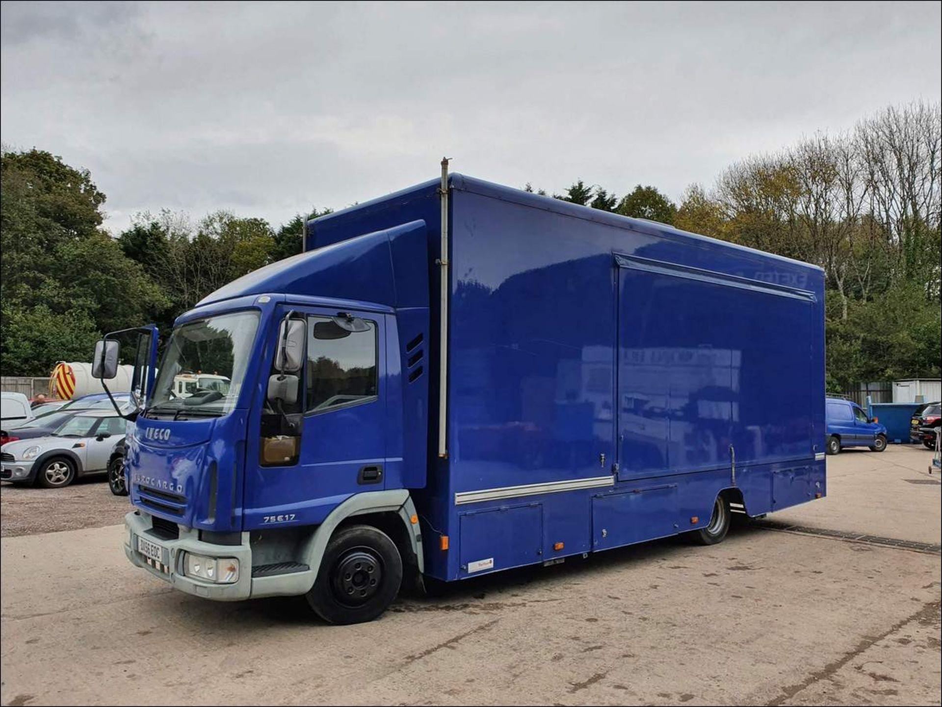 06/56 IVECO EUROCARGO EXHIBITION VEHICLE - 3920cc (Blue, 33k) - Image 9 of 13