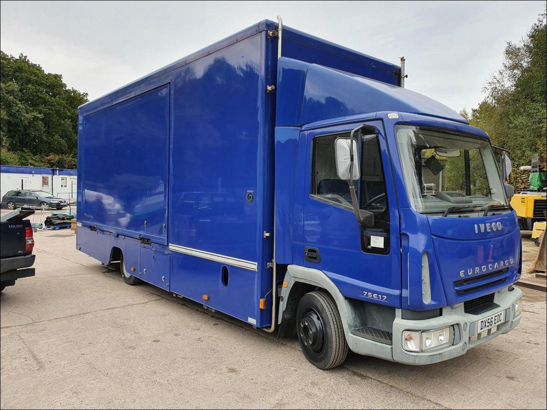 06/56 IVECO EUROCARGO EXHIBITION VEHICLE - 3920cc (Blue, 33k) - Image 6 of 13