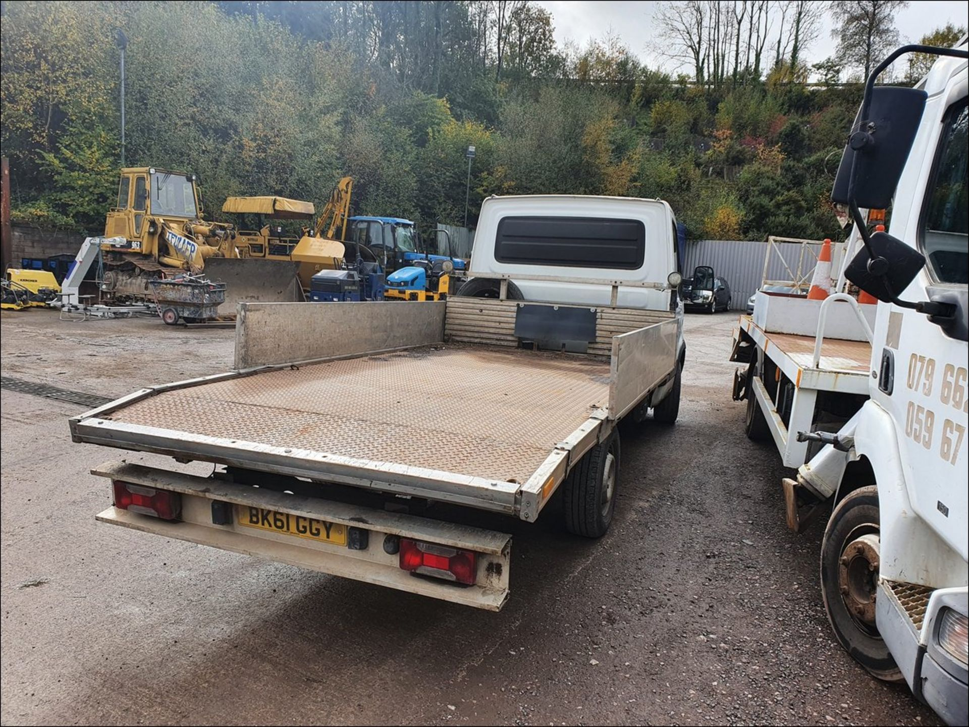 11/61 IVECO DAILY 35S11 MWB - 2287cc 2dr Flat Bed (White/blue, 194k) - Image 6 of 9