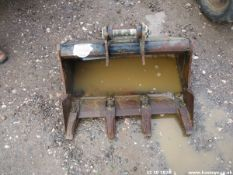 MINI DIGGER BUCKET