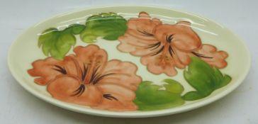 A Moorcroft hibiscus oval dish, 23cm