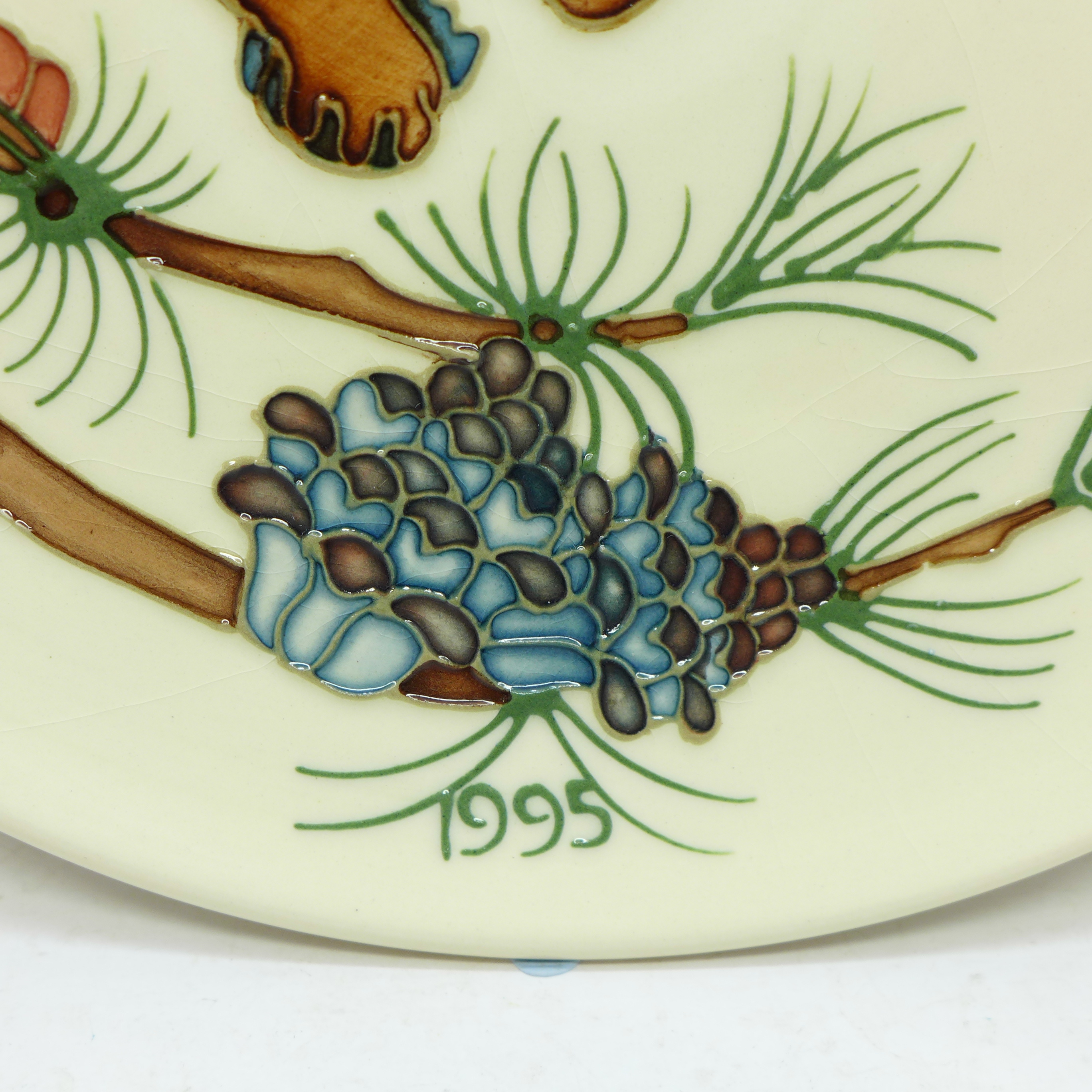 A Moorcroft Limited Edition Year Plate 1995, squirrel design, 300/500, signed and dated 4.11.95, - Image 3 of 6