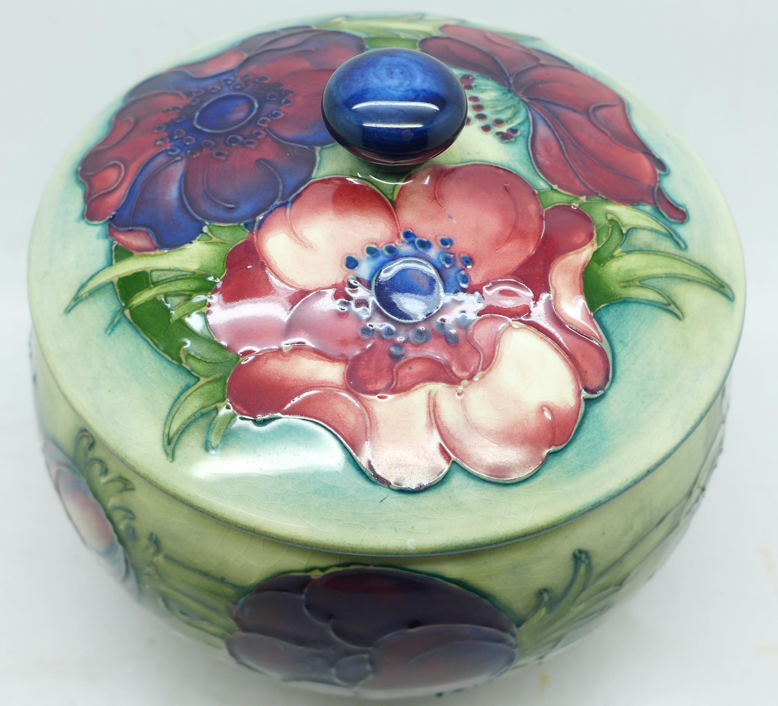 A Moorcroft anemone lidded pot, 12.5cm diameter - Image 3 of 8
