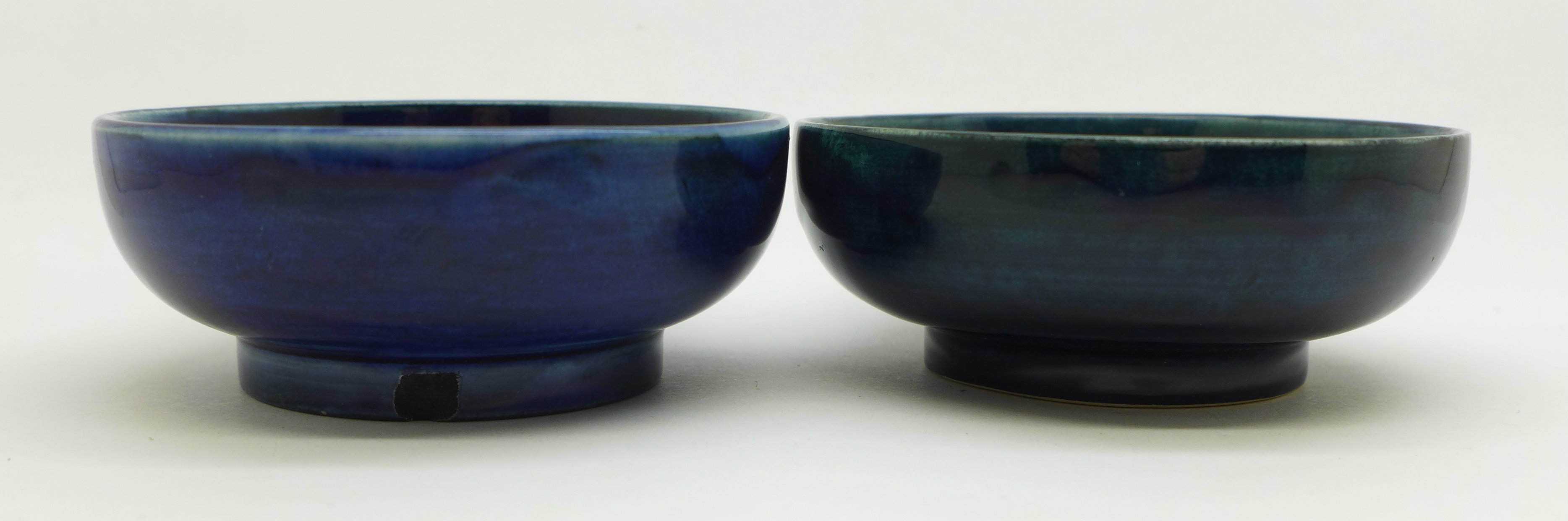 Two Moorcroft dishes, orchid pattern a/f, chip on the side of the base, 72mm, (156,160) - Image 3 of 8