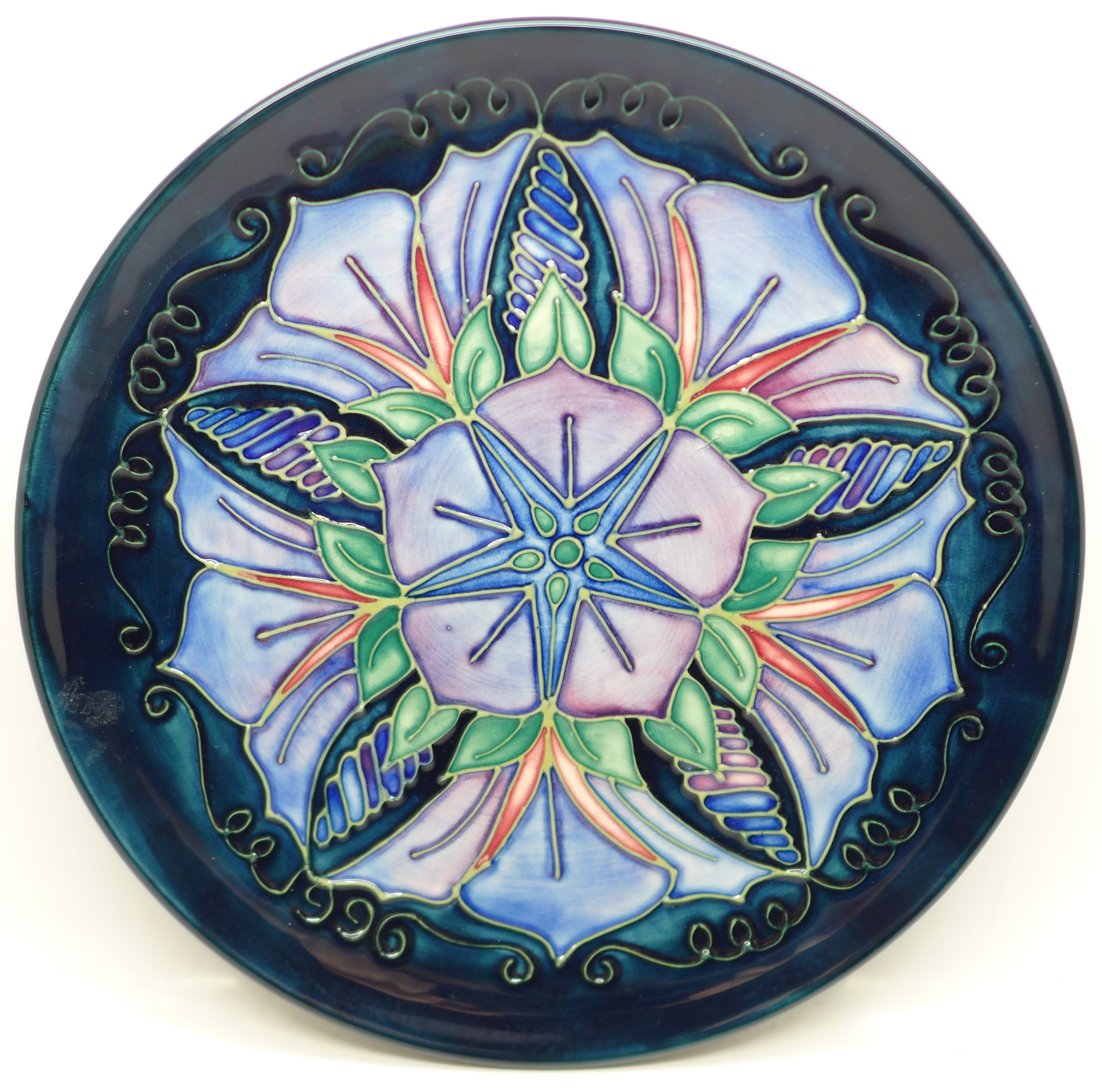 A Moorcroft Year Plate, Second Series Fifth Edition 1996, 203/500, with signed certificate, no