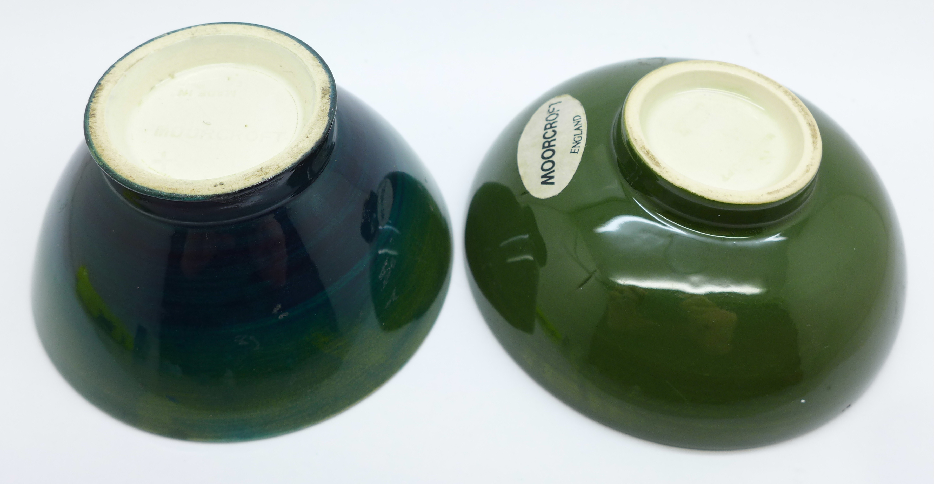 Two small Moorcroft bowls, arum lily and hibiscus, 9.5cm diameter, (181,182) - Image 4 of 5