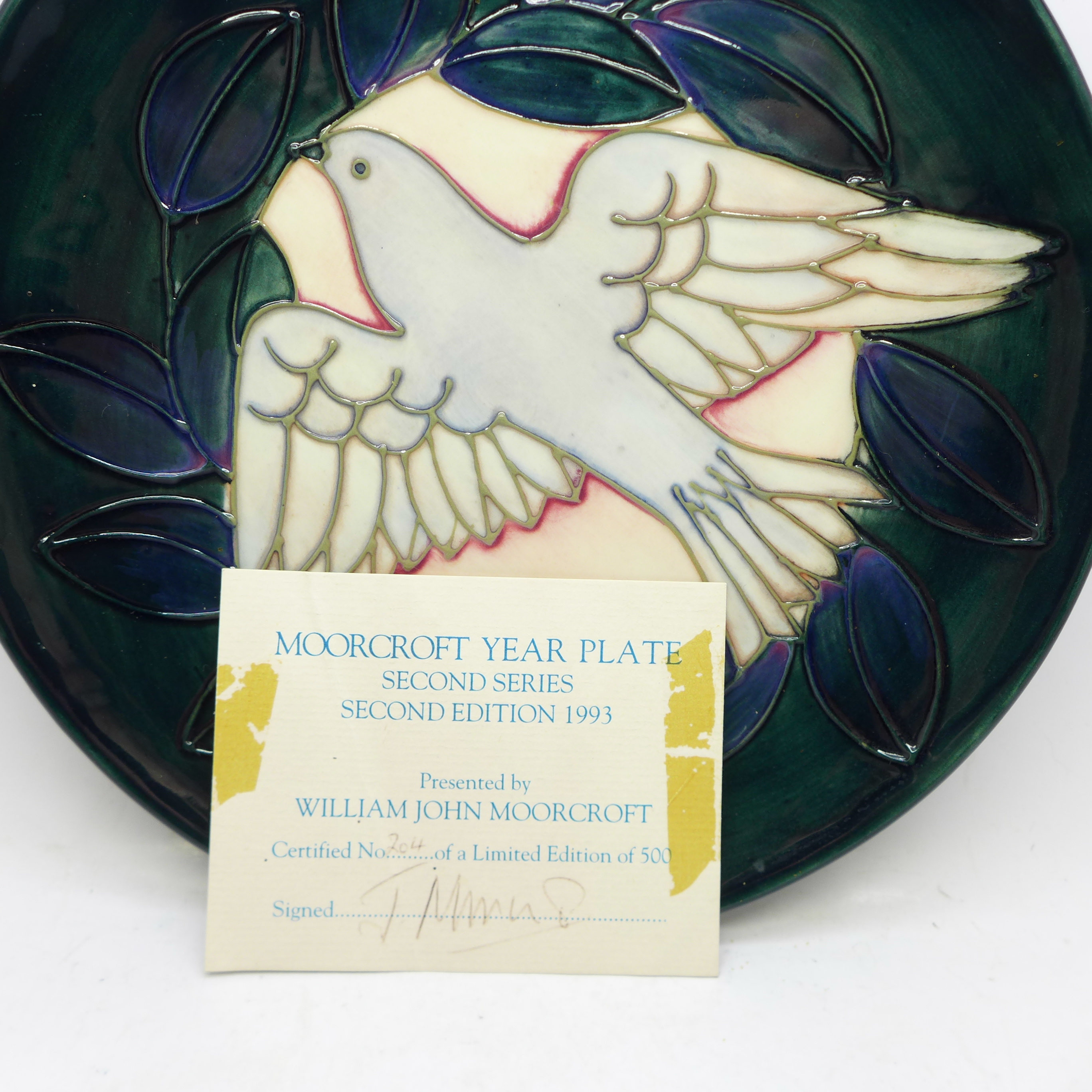 A Moorcroft Year Plate, Second Series Second Edition 1993, dove design, 204/500, with box and signed - Image 5 of 6