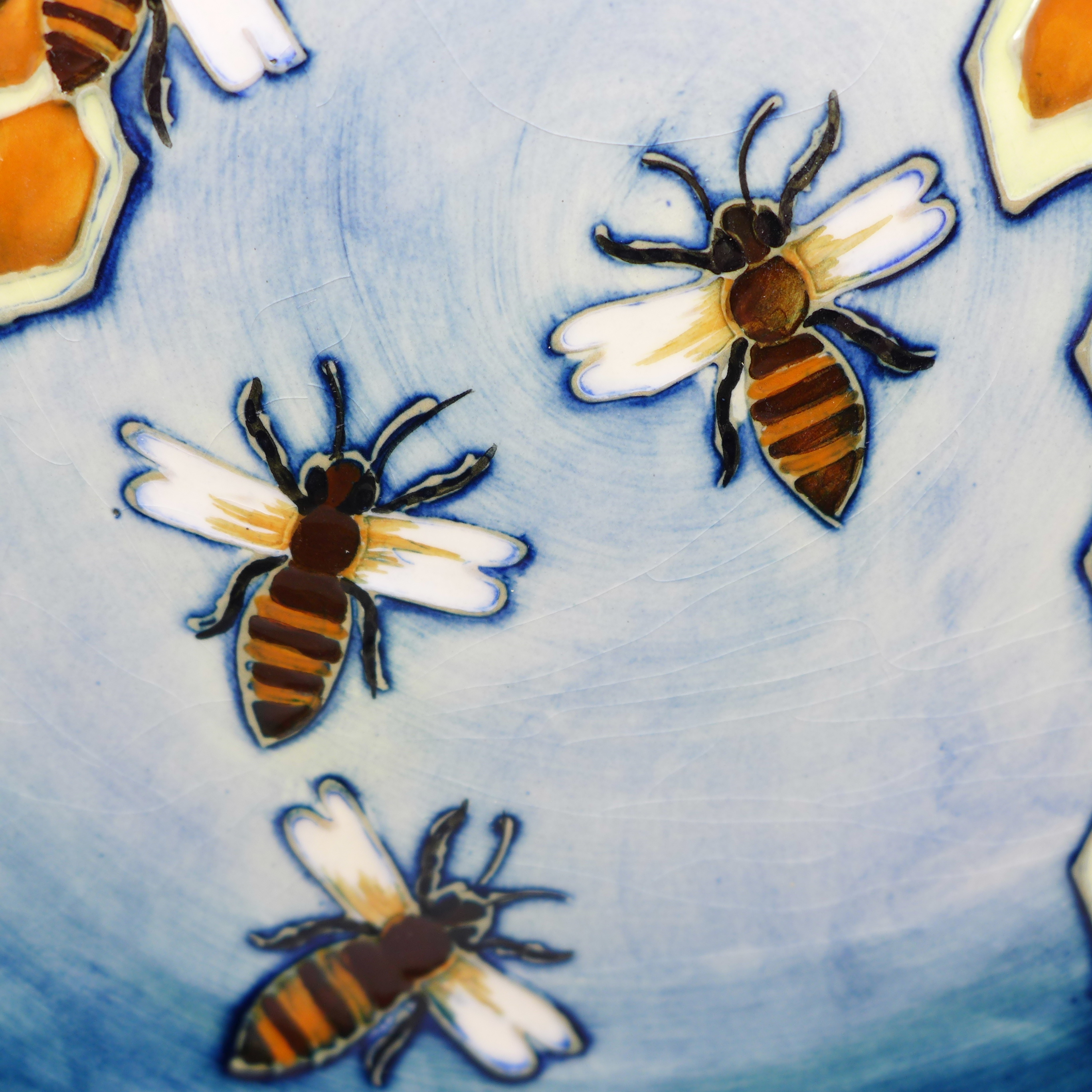 A Moorcroft Honeycomb pattern plate, 263mm - Image 2 of 6