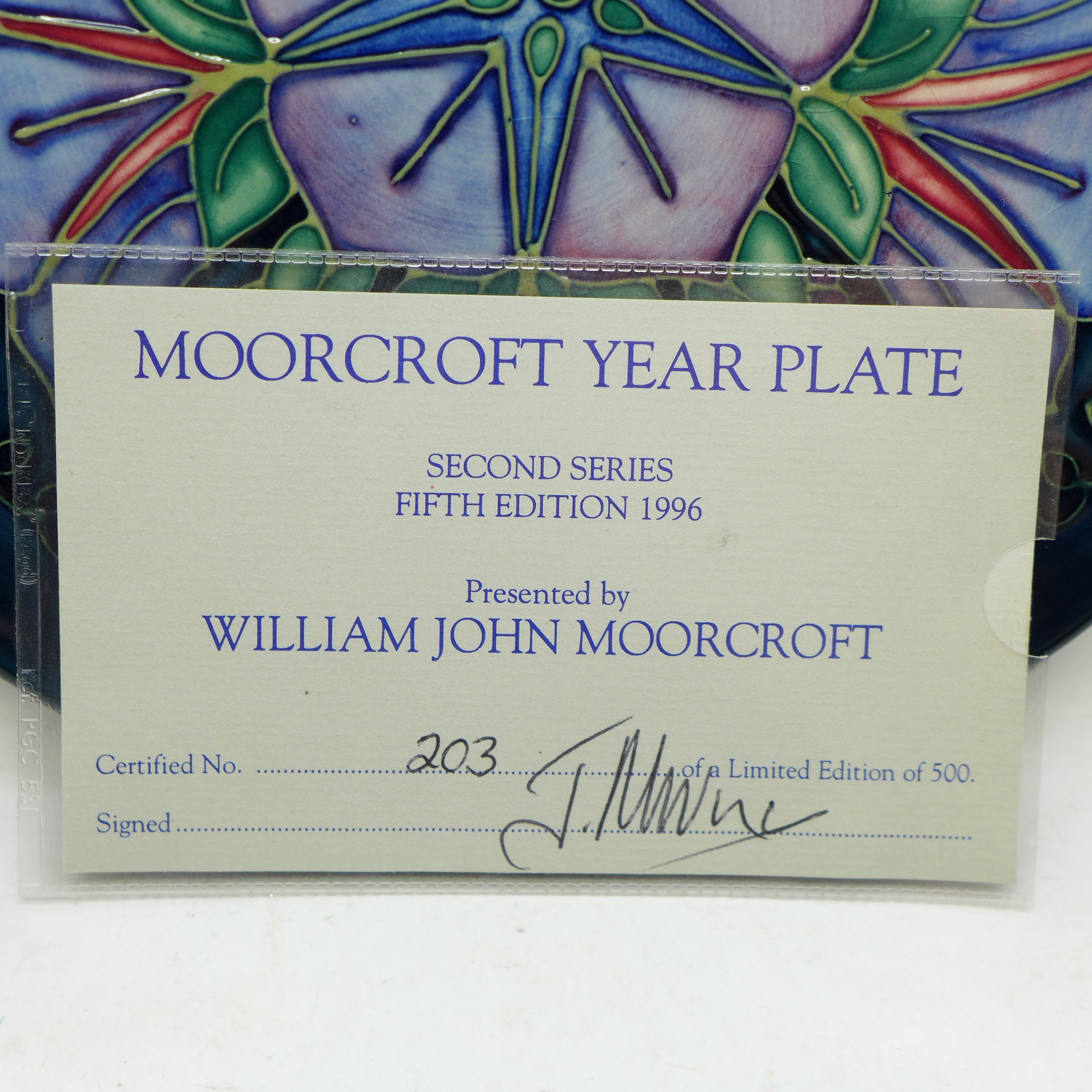 A Moorcroft Year Plate, Second Series Fifth Edition 1996, 203/500, with signed certificate, no - Image 4 of 7