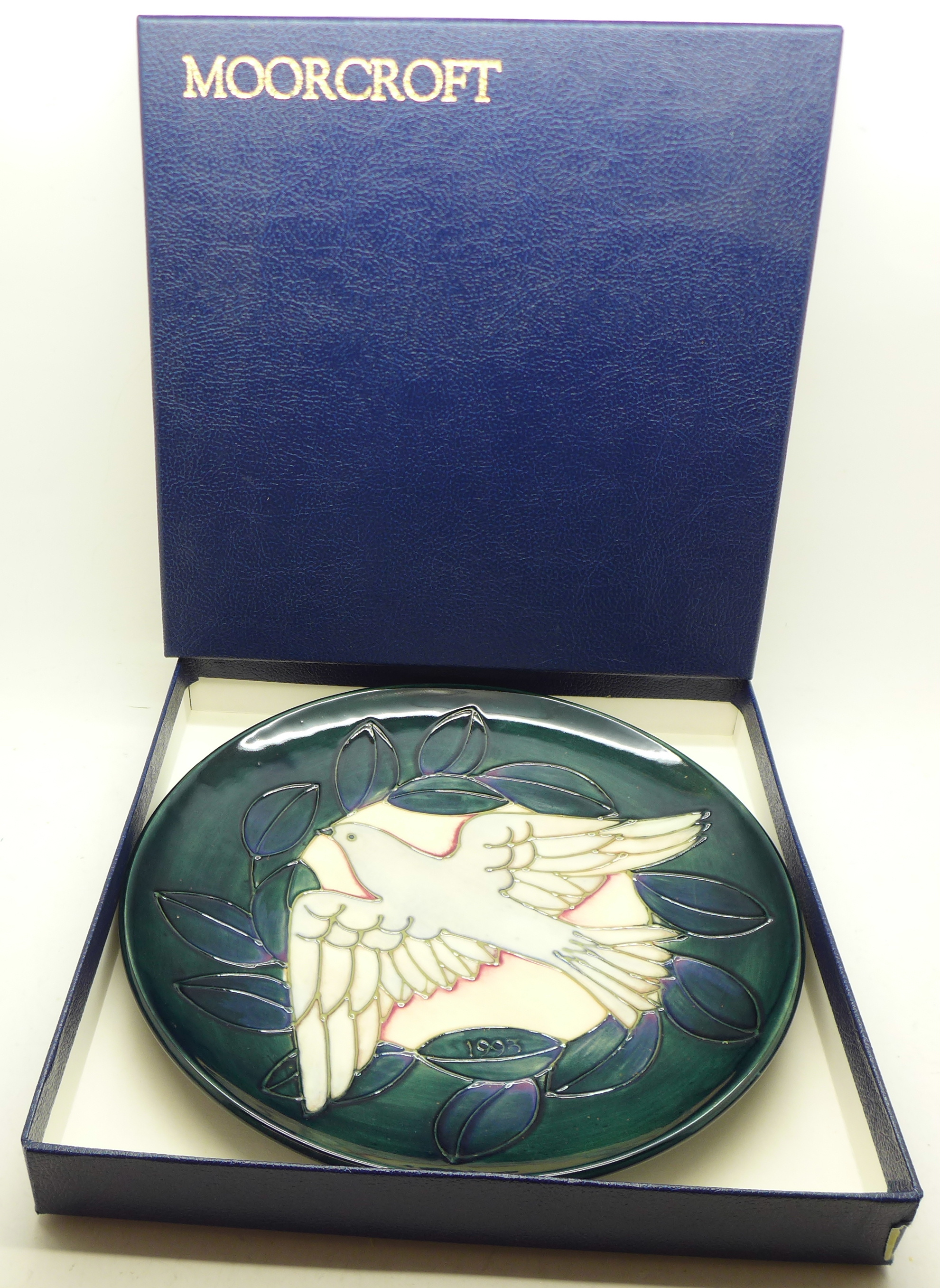 A Moorcroft Year Plate, Second Series Second Edition 1993, dove design, 204/500, with box and signed - Image 6 of 6