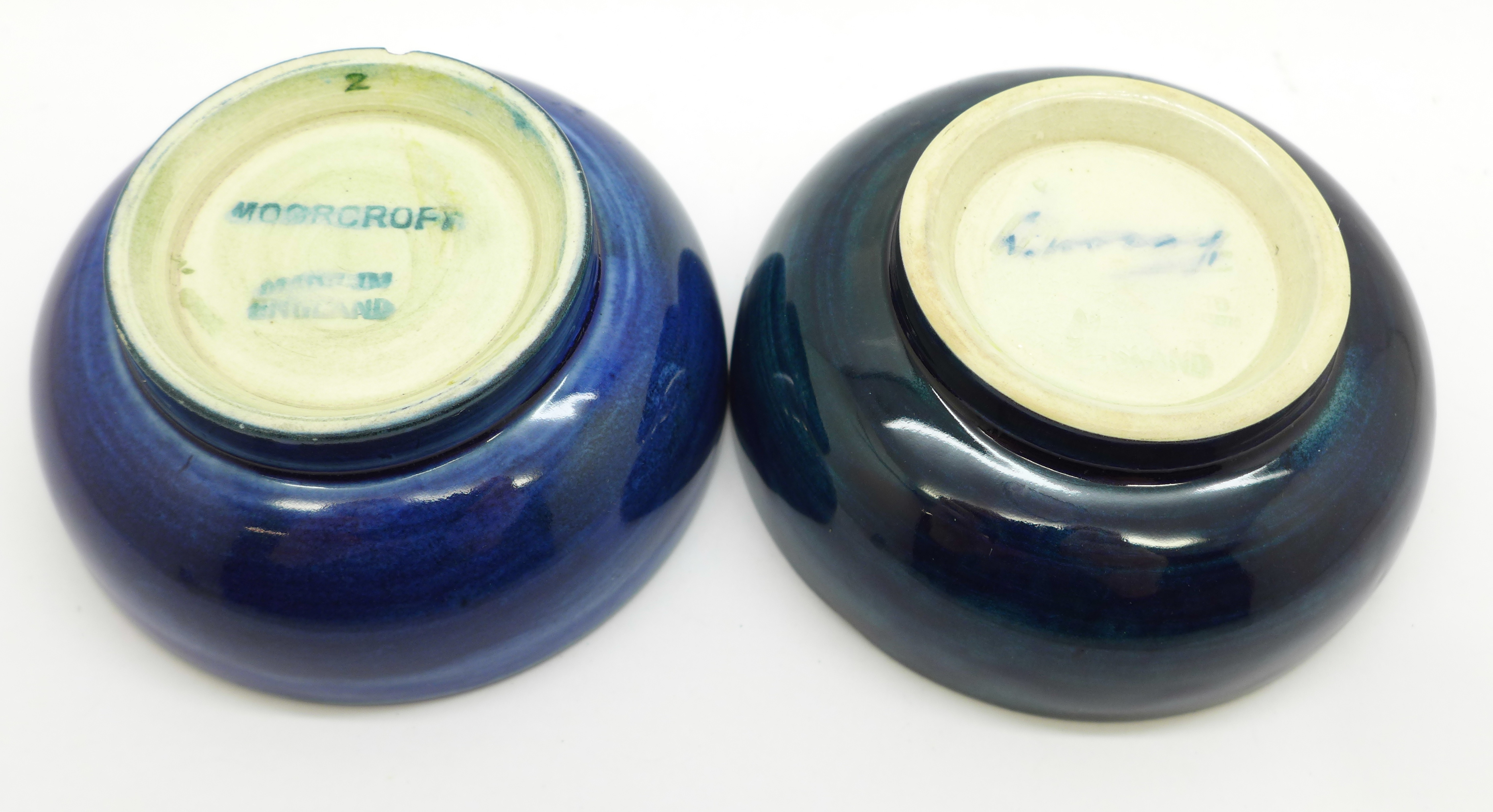 Two Moorcroft dishes, orchid pattern a/f, chip on the side of the base, 72mm, (156,160) - Image 6 of 8